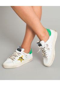 GOLDEN GOOSE - Sneakersy May. Kolor: biały. Materiał: guma. Wzór: aplikacja
