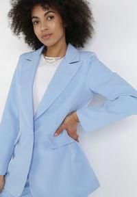 Born2be - Jasnoniebieska Marynarka Praxesi. Kolor: niebieski. Materiał: jeans. Długość rękawa: długi rękaw. Długość: długie