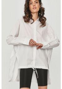Biała koszula Answear Lab długa, gładkie, z klasycznym kołnierzykiem, wakacyjna