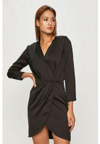 Czarna sukienka Silvian Heach prosta, na co dzień, mini, z długim rękawem
