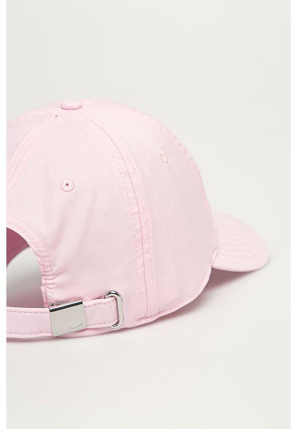 Różowa czapka z daszkiem Nike Sportswear