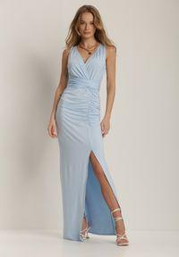Renee - Jasnoniebieska Sukienka Alphophe. Kolor: niebieski. Materiał: dzianina, materiał. Długość rękawa: na ramiączkach. Wzór: aplikacja. Typ sukienki: kopertowe. Styl: elegancki. Długość: maxi