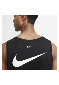 Koszulka męska Nike Sportswear Swoosh CQ5293. Materiał: jersey, bawełna. Długość rękawa: bez rękawów. Wzór: aplikacja