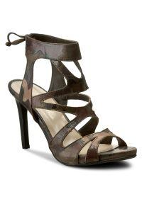 Zielone sandały Carinii