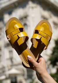 Renee - Żółte Klapki Anastias. Kolor: żółty