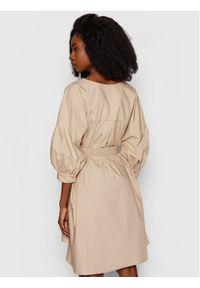 Imperial Sukienka codzienna ABWSBBD Beżowy Regular Fit. Okazja: na co dzień. Kolor: beżowy. Typ sukienki: proste. Styl: casual