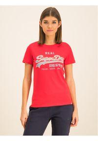 Superdry T-Shirt V Logo Reflective Entry Tee W1000083A Czerwony Regular Fit. Kolor: czerwony