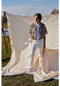 medicine - Medicine - T-shirt Summer Vibes. Kolor: biały. Materiał: bawełna, dzianina