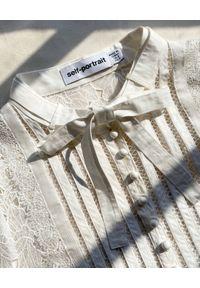 SELF PORTRAIT - Biała sukienka mini z koronki. Kolor: biały. Materiał: koronka. Długość rękawa: długi rękaw. Wzór: koronka. Długość: mini