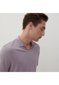 Reserved - Polo w minimalistycznym stylu - Fioletowy. Typ kołnierza: polo. Kolor: fioletowy