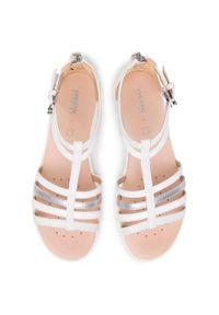 Białe sandały Geox na obcasie, na co dzień, na średnim obcasie