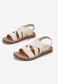 Born2be - Beżowe Sandały Aamerig. Nosek buta: okrągły. Zapięcie: bez zapięcia. Kolor: beżowy. Materiał: skóra ekologiczna. Styl: sportowy