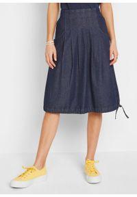 Spódnica dżinsowa ze stretchem, ze szczypankami, wiązanym troczkiem i wygodnym paskiem w talii bonprix ciemnoniebieski denim. Kolor: niebieski. Materiał: denim