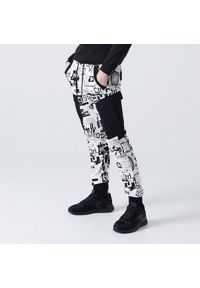 Białe spodnie Cropp z nadrukiem