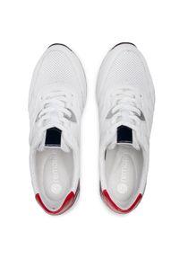 Białe sneakersy Remonte na płaskiej podeszwie, z cholewką