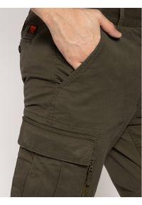 Zielone spodnie Superdry