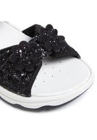 Czarne sandały Primigi z aplikacjami