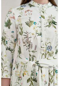 Marie Zélie - Sukienka Aglaia Sencha. Typ kołnierza: kołnierzyk stójkowy. Materiał: bawełna, materiał, elastan. Wzór: kwiaty