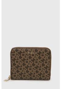DKNY - Dkny - Portfel. Kolor: brązowy. Materiał: materiał