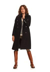 TOP SECRET - Dwurzędowy płaszcz z odpinanym futrem. Kolor: czarny. Materiał: futro