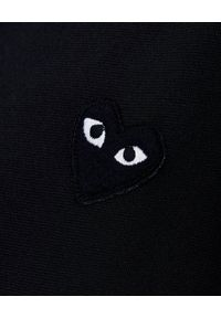 COMME DES GARCONS PLAY - Czarna bluza z sercem na plecach. Okazja: na co dzień. Typ kołnierza: bez kaptura. Kolor: czarny. Materiał: jeans, materiał. Długość rękawa: długi rękaw. Długość: długie. Wzór: nadruk. Styl: klasyczny, casual #3