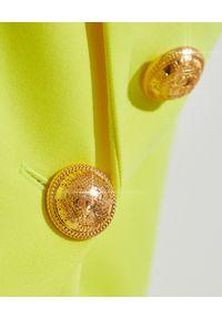 Balmain - BALMAIN - Neonowa marynarka z guzikami. Kolor: żółty. Wzór: aplikacja