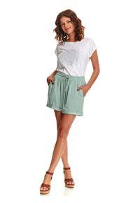 Miętowe szorty TOP SECRET w kolorowe wzory, wakacyjne, krótkie, na lato