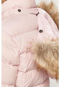 Różowa kurtka Tommy Jeans z kapturem