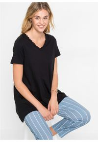 Czarna bluzka bonprix długa, w koronkowe wzory