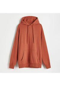 Reserved - Bluza z kapturem - Czerwony. Typ kołnierza: kaptur. Kolor: czerwony