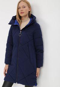 Born2be - Granatowa Kurtka Oreithamia. Kolor: niebieski. Materiał: tkanina, puch. Długość: długie. Wzór: aplikacja