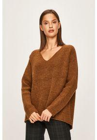 Brązowy sweter ANSWEAR raglanowy rękaw