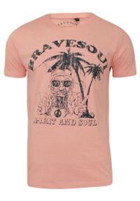 Różowy t-shirt Brave Soul casualowy, z nadrukiem