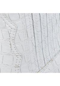 Białe sztyblety L37 na średnim obcasie, na obcasie, z cholewką