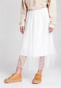 Renee - Biała Spódnica Olivine. Okazja: na co dzień. Kolor: biały. Materiał: tkanina. Wzór: kropki. Styl: elegancki, casual