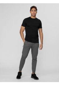 4f - Spodnie dresowe męskie. Kolor: szary. Materiał: dresówka. Wzór: gładki
