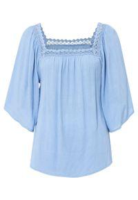 Bluzka tunikowa z koronką bonprix jasnoniebieski. Kolor: niebieski. Materiał: koronka. Wzór: koronka