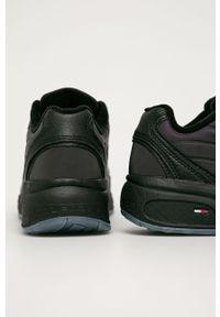 Czarne buty sportowe Tommy Jeans z cholewką, z okrągłym noskiem, na sznurówki