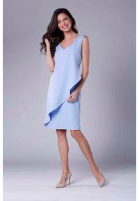 Niebieska sukienka wizytowa Nommo asymetryczna, bez rękawów