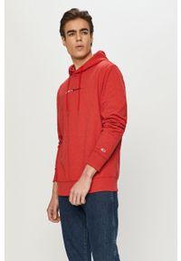 Czerwona bluza nierozpinana Tommy Jeans casualowa, z aplikacjami, z kapturem, na co dzień