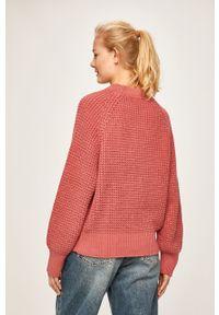 Różowy sweter Pepe Jeans