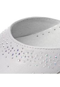 Białe buty komunijne Zarro z cholewką, z aplikacjami, wizytowe