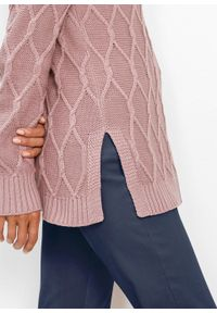 Różowy sweter bonprix