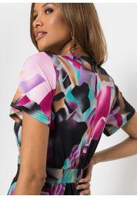 Sukienka z efektem założenia kopertowego bonprix z kolorowym nadrukiem. Kolor: czarny. Wzór: nadruk, kolorowy. Typ sukienki: kopertowe