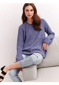 Niebieski sweter TOP SECRET z okrągłym kołnierzem, w ażurowe wzory, casualowy, na wiosnę