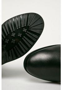 Czarne botki Wojas z cholewką