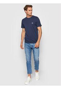 Lee T-Shirt Patch Logo L60UFQ35 Granatowy Regular Fit. Kolor: niebieski