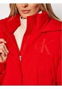 Calvin Klein Jeans Kurtka zimowa J20J214856 Czerwony Regular Fit. Kolor: czerwony. Sezon: zima