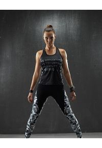 Czarny biustonosz sportowy FJ! na fitness i siłownię, moro