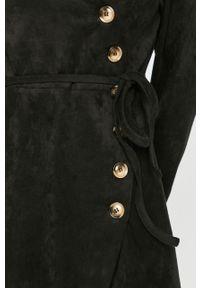 Czarna sukienka Answear Lab na co dzień, rozkloszowana, wakacyjna, midi